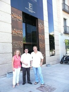 JUAN MENDOZA (director artístico de la Escuela Superior de Música Reina Sofía) junto a Nury Guarnaschelli y Rudi Korp.